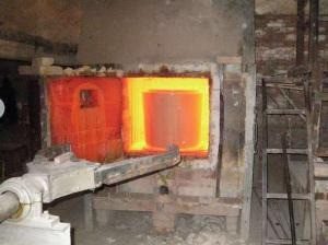 Radiation-proof lead glass melted out of the furnace